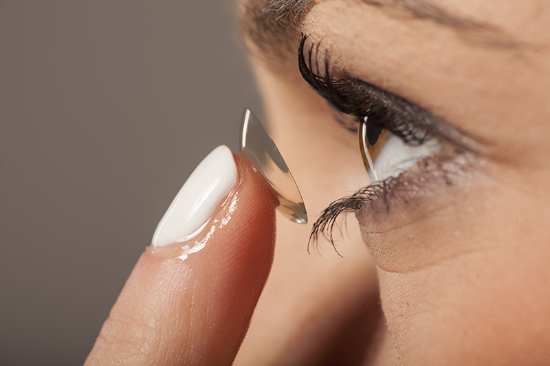 Contact Lenses Do's and Don'ts
